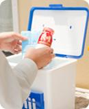 【イメージ】保冷受箱とR-1ヨーグルトドリンクタイプ